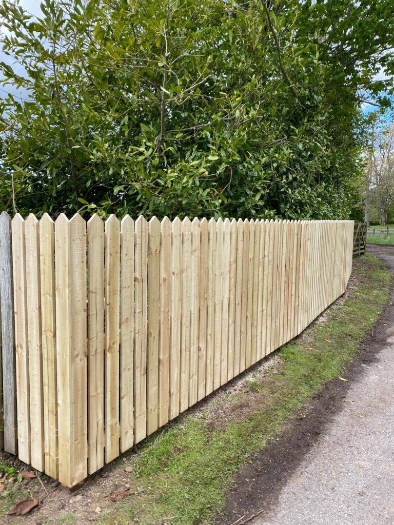 Dundee fencing contractor